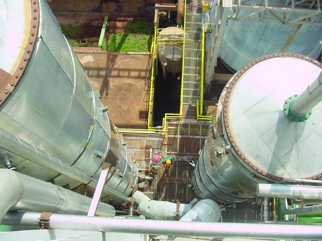 2003-04-23 Destilaria Industria Coluna Destilaçao Vista Superior Vale do Ivai