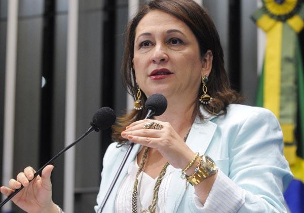 Senadora Kátia Abreu (PSD-TO) comemora ampliação do seguro agrícola no Plano-Safra 2012/2013